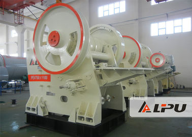 China Primary / Secondary Jaw Crusher Machine For Construction Capacity 140 - 320 T / H supplier